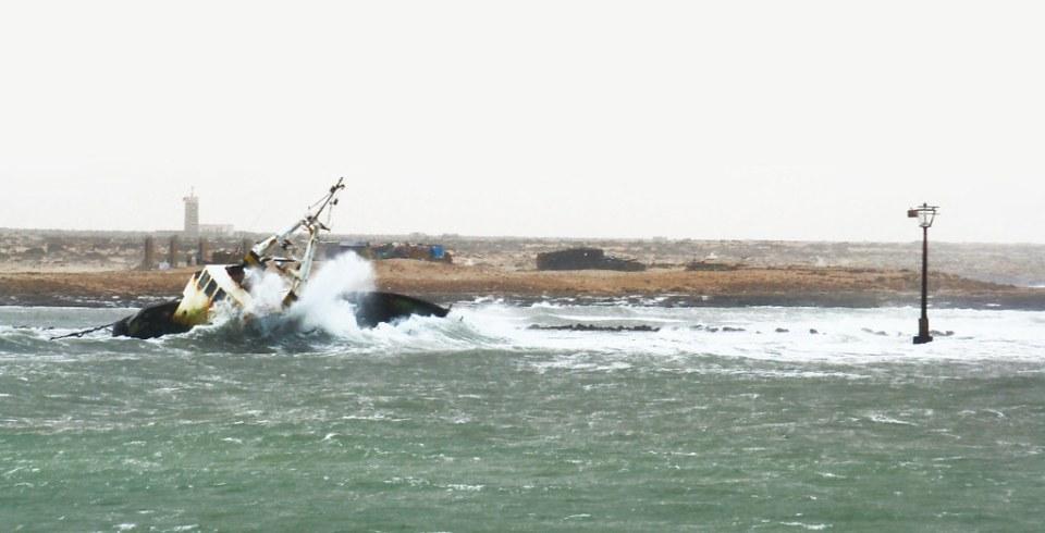 barco naufragio playa de Tarfaya Marruecos Desierto del Sáhara 07