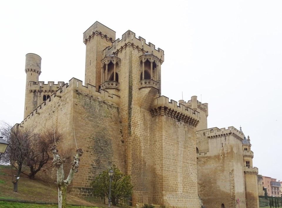 Torre de los Cuatro Vientos o de las Tres Finestras Palacio Real o Castillo de Olite Navarra 07