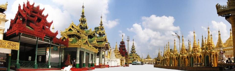 pagodas y templos en conjunto Shwedagon Yangon Myanmar Birmania 03