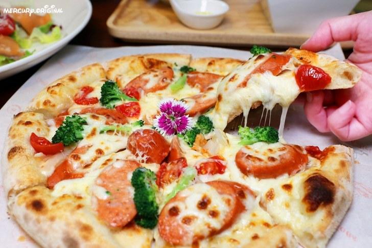 46924099605 8f09348161 b - 熱血採訪 路義思小館,學區價格卻有超高水準,大推邪惡牽絲手工披薩,吃過必回訪