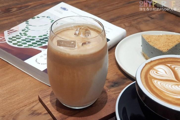 46937603775 b4058a5449 c - J.W.xMr.Pica│近期人氣超高的質感咖啡店,同時有好喝咖啡和生活選物!近審計新村呦~(已歇業)