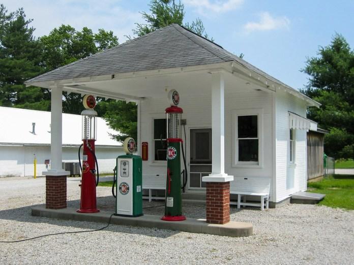 Gas station in Hayden