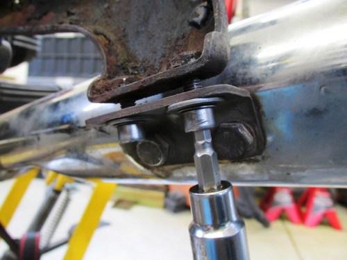 Remove Muffler From Frame Muffler Bracket