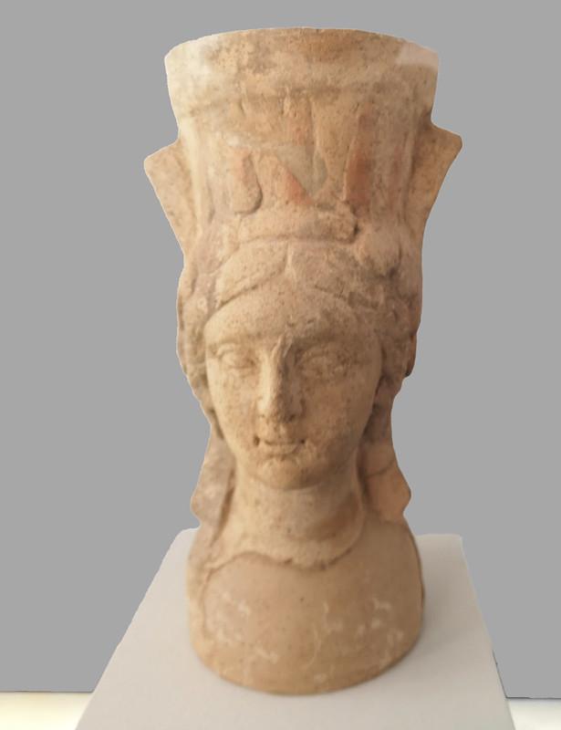 escultura cariatide cabeza de mujer Museo Nacional del Bardo Tunez 03