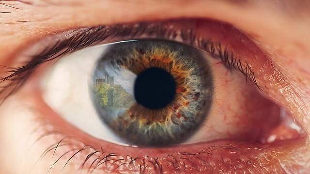 eye ball reflection