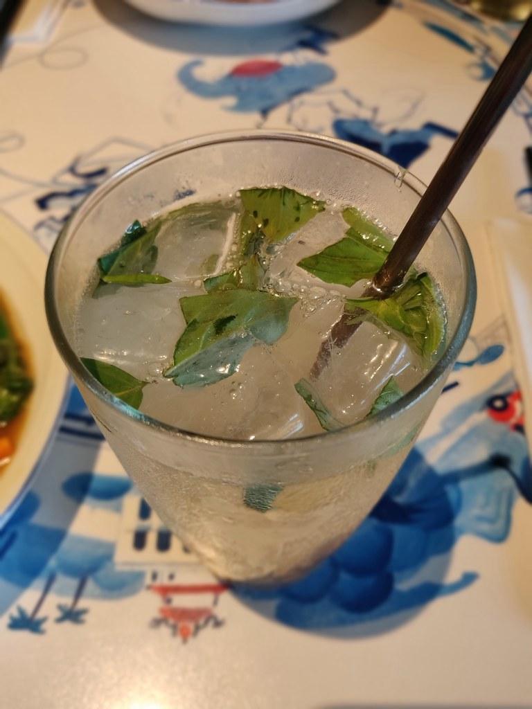 Gin & Ginger Minh & Kok