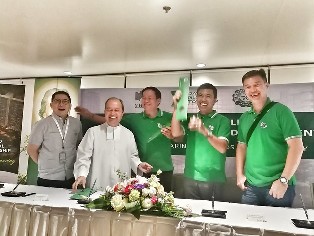 DLSU signing with Davao township
