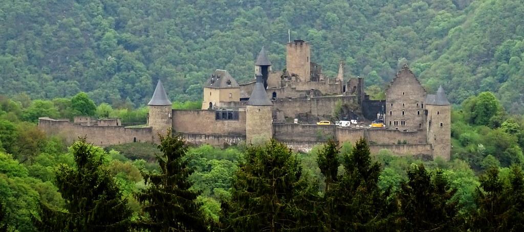 vista exterior castillo de Bourscheid Luxemburgo