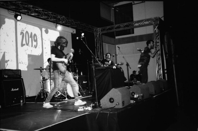 one band, one shot: Almeida