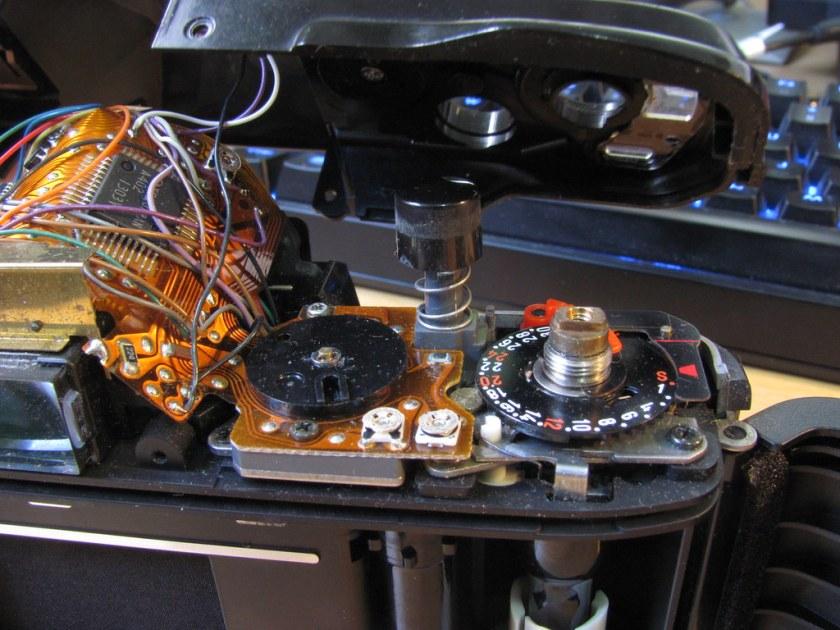 Minolta X-9 / X-300s top plate removal