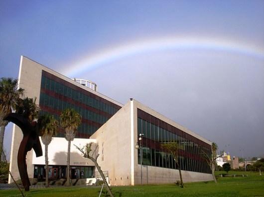 800px-Biblioteca_General_y_Humanidades_ULL