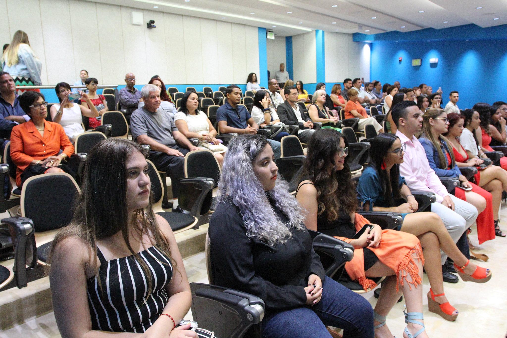 Invitados y asistentes a la ceremonia de graduación 2019