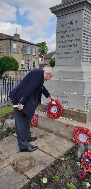 dday farsley cenotaph