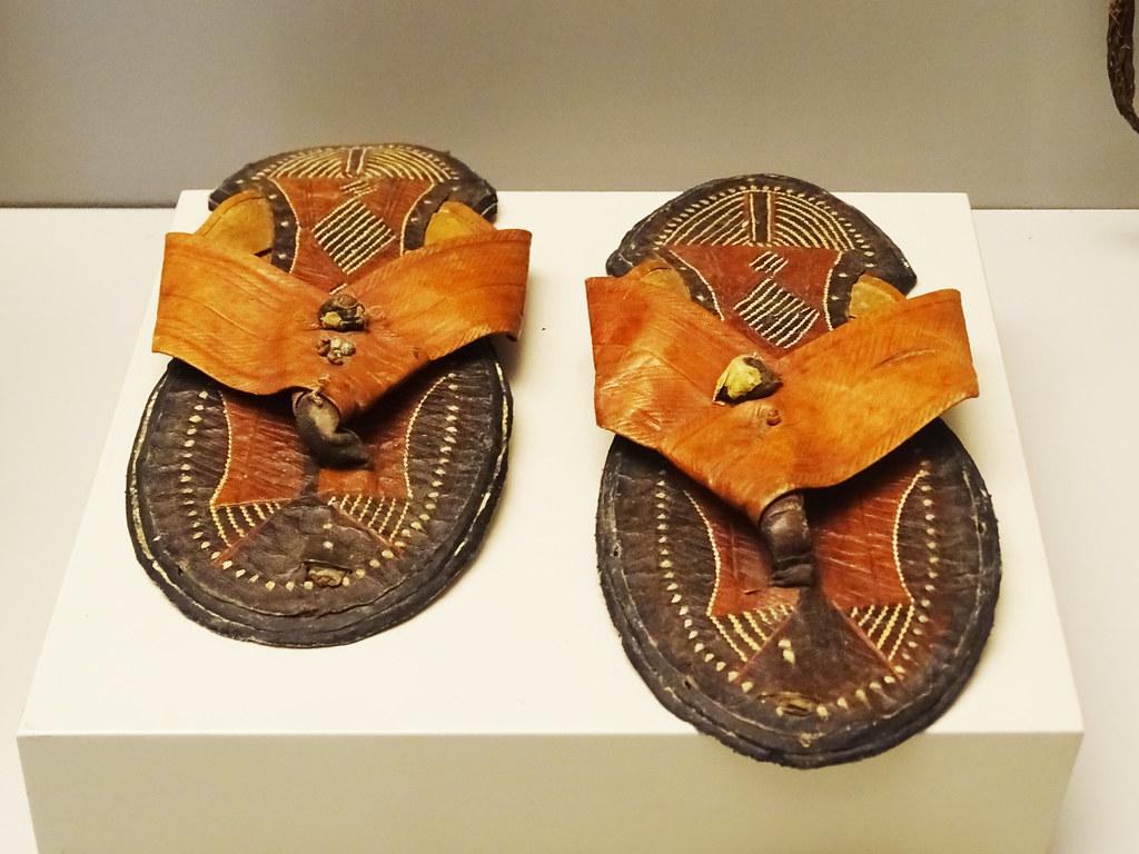 sandalia cuero s. XIX Bereber Africa Museo de America Madrid