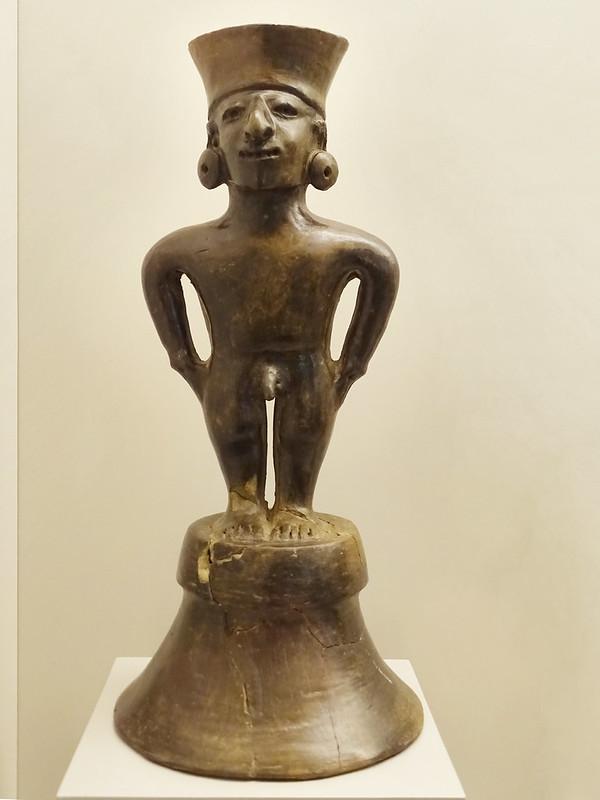 figura escultura ceramica hombre cultura Manteña 1100-1520 d.C. Ecuador Museo de America Madrid
