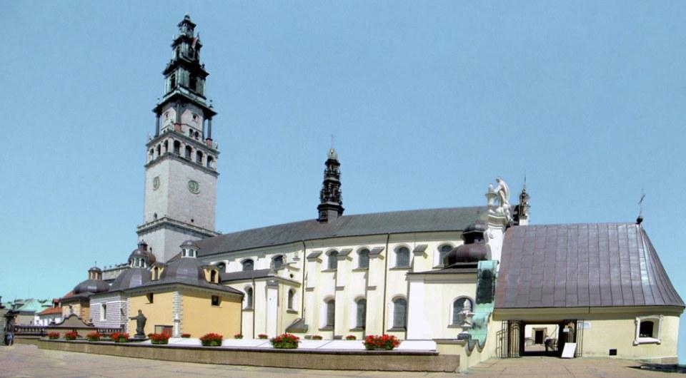 exterior Basilica Jasna Gora Czesochowa Polonia 01