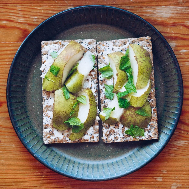 Hårt bröd med päron och mynta - reaktionista.se