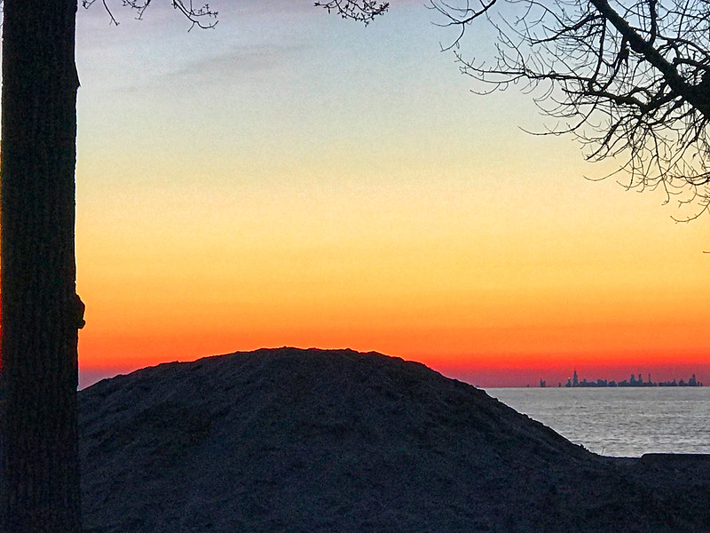 Chicago in the distance from Indiana Dunes State Park