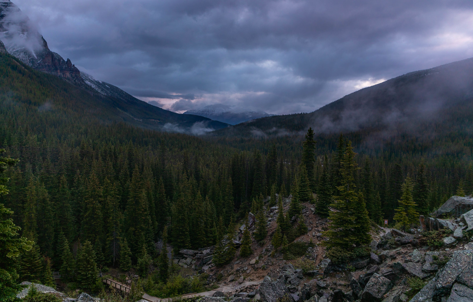 06.29. Moraine Lake, Banff National Park, AB, Canada