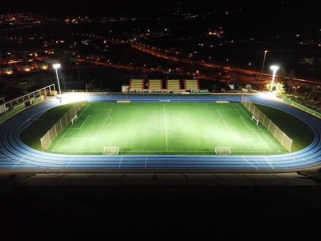 Gáldar renueva su compromiso con el deporte con una nueva pista de atletismo de última generación