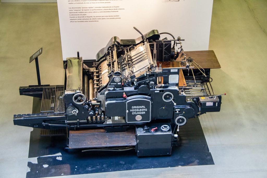 maquina de impresion en La Imprenta Municipal Artes del Libro Madrid 01