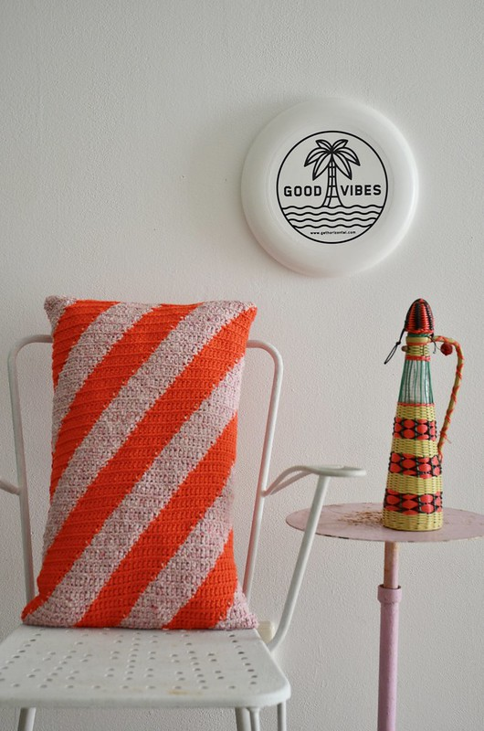 woodwoolstool candy cane crochet cushion