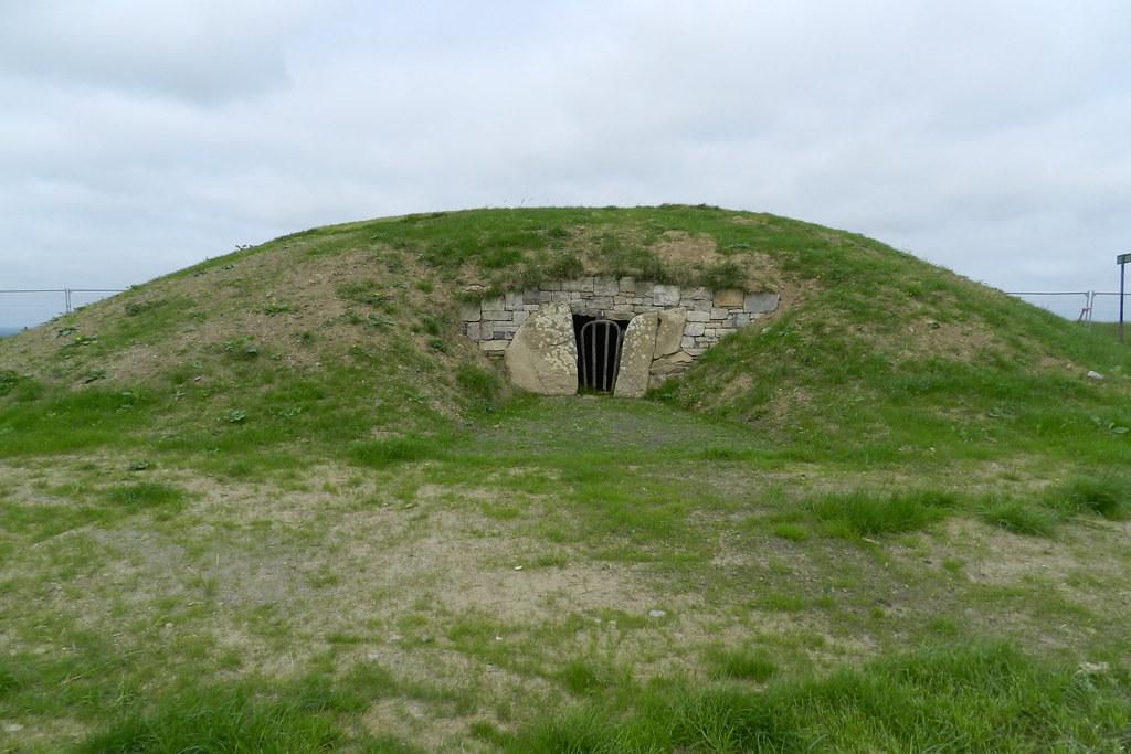 Mound of the Hostages Tumba monticulo de los rehenes Colina de Tara Republica de Irlanda