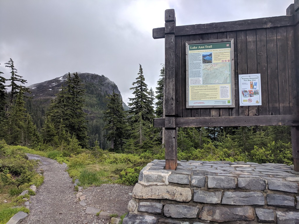 Lake Ann trailhead