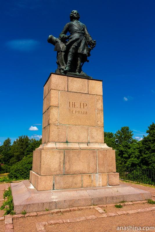 Петровский парк, Выборг,Памятник Петру I