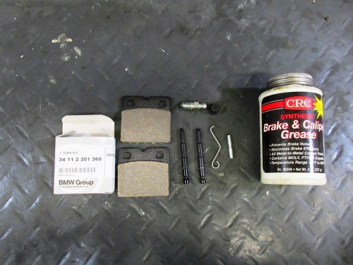 Parts For Installing New Brake Pads, Bleed Valve and Retaining Clip Assembly