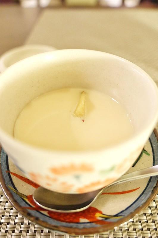 きな粉豆乳プリン茶碗蒸し仕上げ Soy powder & Soy Milk pudding