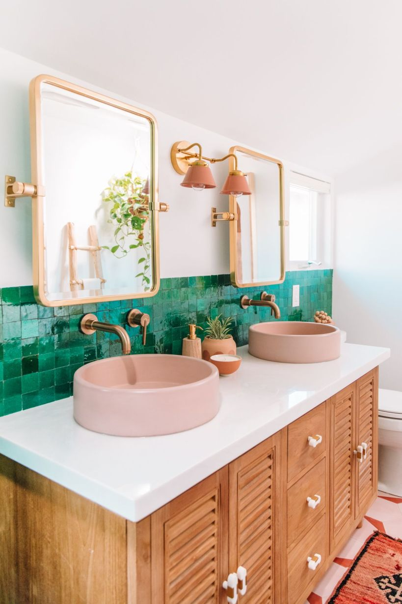 Bathrooms in pink and green.