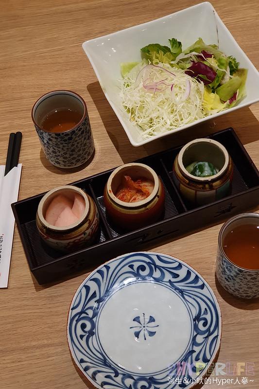 48640578181 0463aa38c0 c - 來自富士山下的知名日式炸豬排店,最近有期間限定三星蔥蔥鹽豬排套餐,搭配麥飯好下飯!