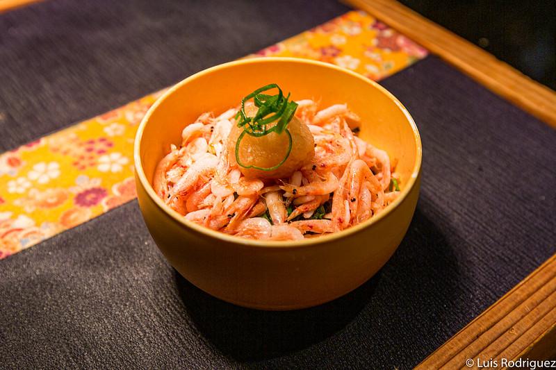 Délicieux bol de riz instantané aux crevettes