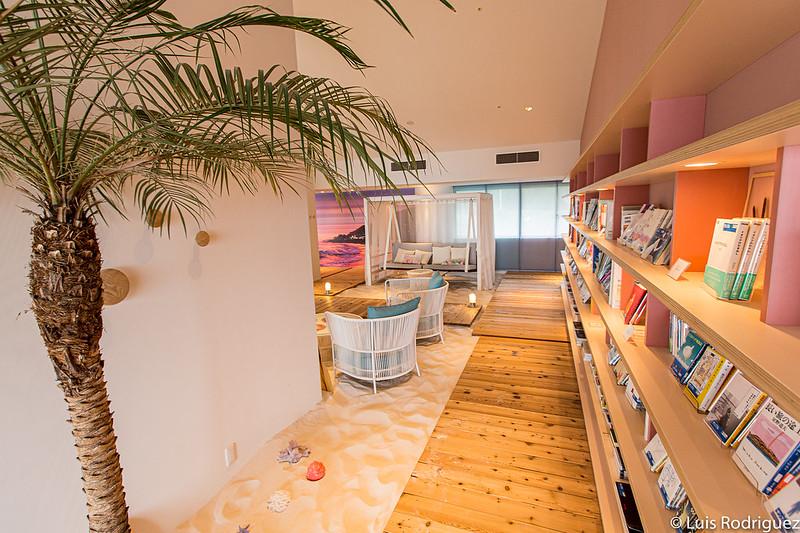 SORANO Beach Books & Cafe