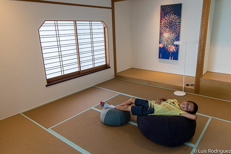 Eric dans sa salle de tatami