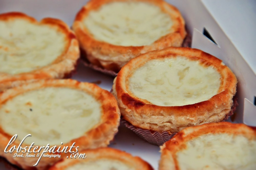 "Egg White Tarts with Bird's Nest @ Estabelecimento De Comidas "" San Hou Lei "" 新好利咖啡饼店 