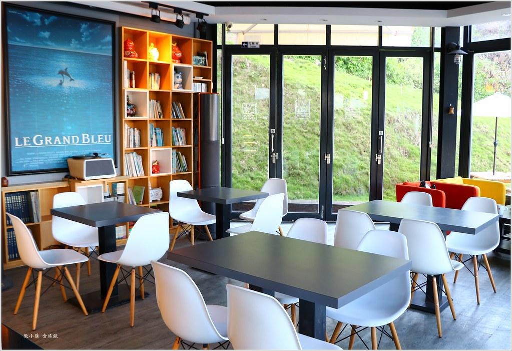【屏東‧小琉球】灰窯人文咖啡 Coral Cafe‧懶洋洋讓人不想動的民宿咖啡 @ 敦小蓮の食旅錄 :: 痞客邦