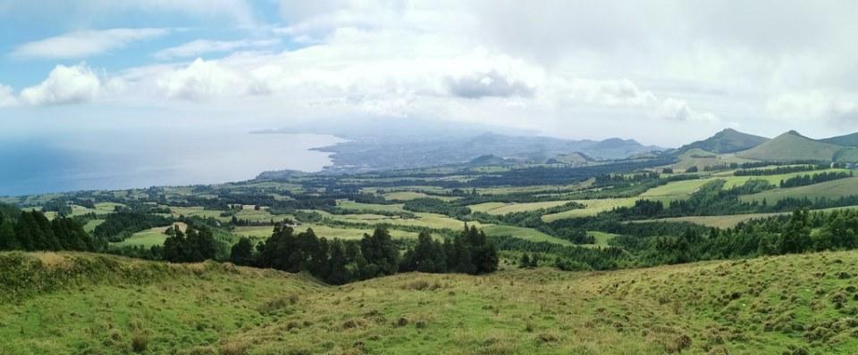 vistas panoramicas desde Mirador das Cumeeiras Serra Devassa Isla de San Miguel Azores Portugal 01