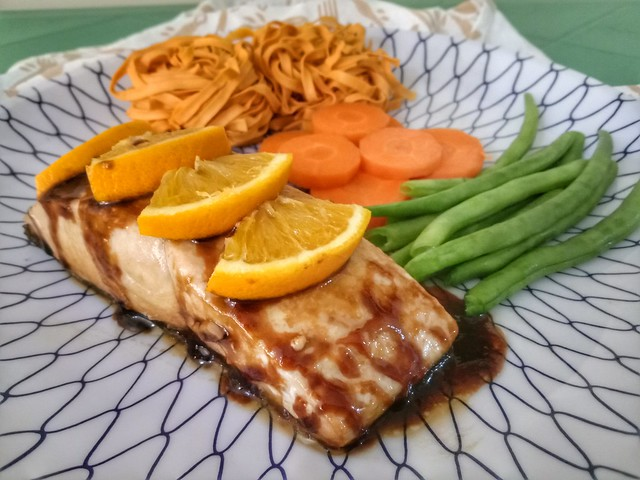 Salmon in teriyaki sauce