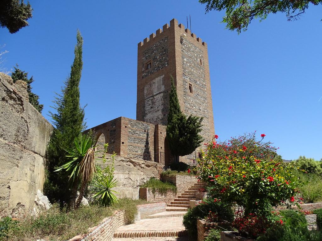 Torre del homenaje exterior de la Alcazaba La Fortaleza Velez Malaga Málaga 02