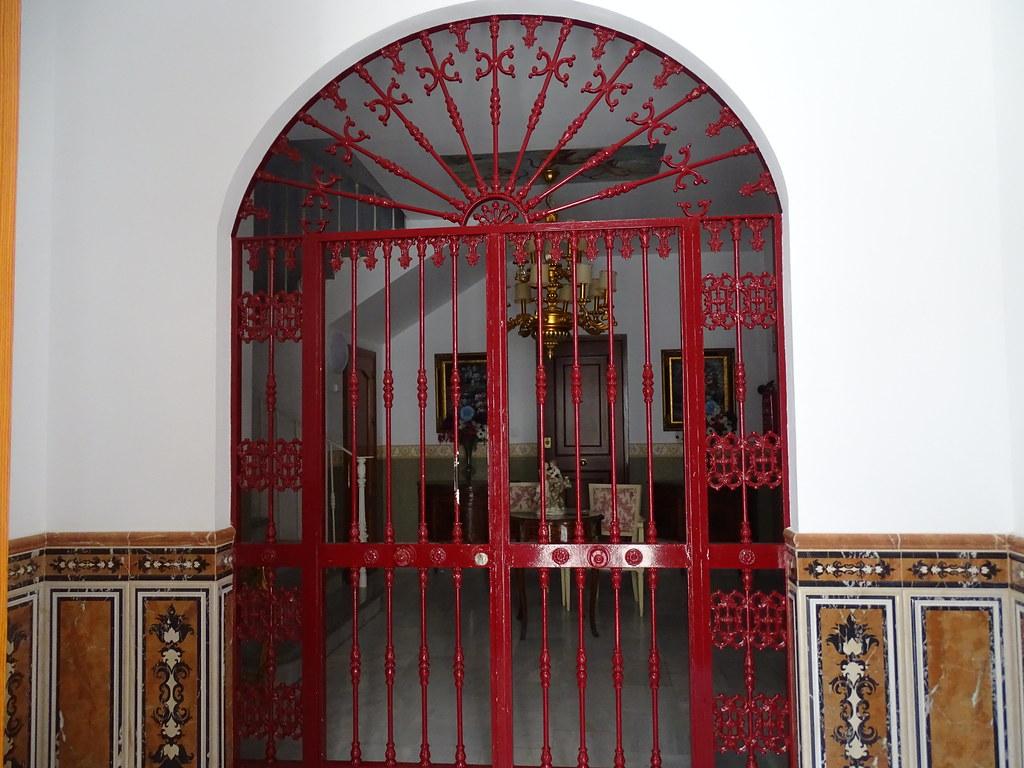 Puerta zaguan Velez Malaga Málaga