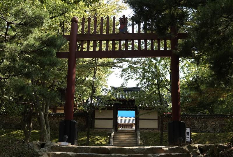 韓国民俗村 鳥居的な