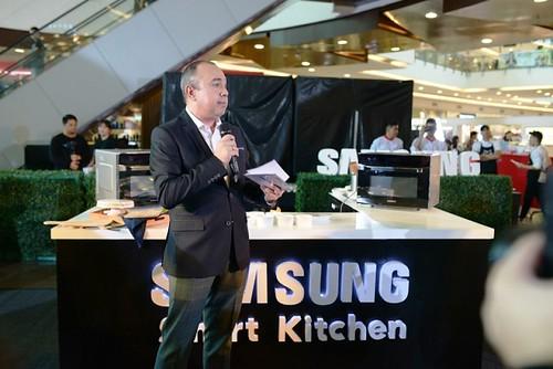 Samsung Smart Kitchen Presents 6-in-1 Smart Oven