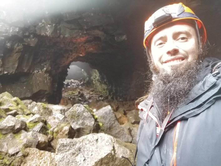 The Lava Tunnel Raufarhólshellir (Islandia). Increíble túnel subterráneo de lava volcánica.