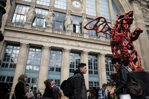19j11 Gare du Nord_0041 variante 1 Uti 485