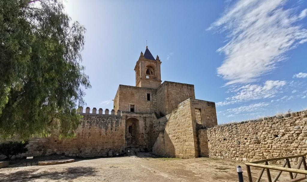 Patio de Armas y Torre del Homenaje Alcazaba Antequera Malaga