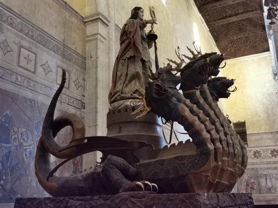 interior Real Colegiata de Santa Maria La Mayor Antequera Malaga 12