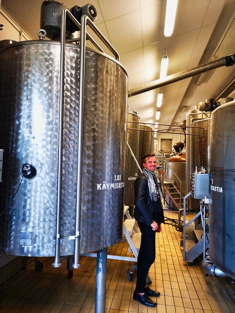 Miko ... onze gids voor het bezoek, en tevens 1 van de 5 oprichters van de Kyrö Distillery