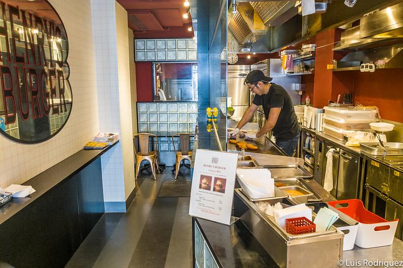 Cuisine au rez-de-chaussée du magasin Akihabara